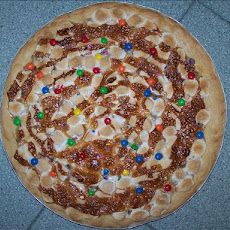 Crowd Pleasing Cookie Pizza