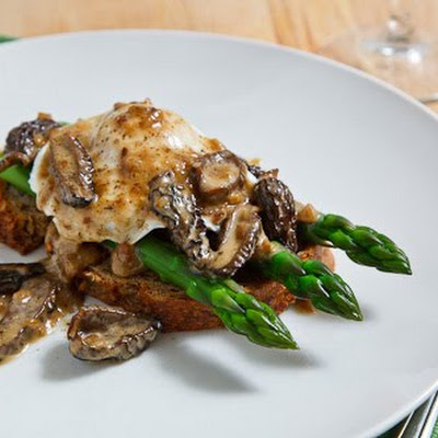 Morel Mushroom and Asparagus Eggs Benedict