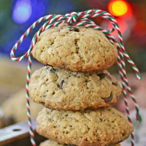 Ooey Gooey Chocolate Chip Oatmeal Cookies Made with SPLENDA #SweetSwaps