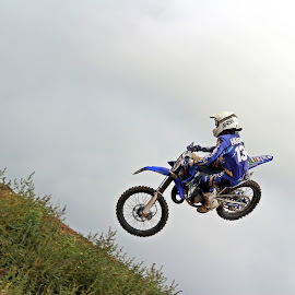 Whip that Yz by Mike Hughes - Sports & Fitness Motorsports