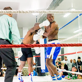 by Samantha Basson - Sports & Fitness Boxing (  )