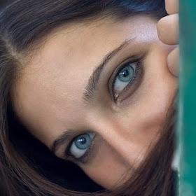 Enchanting-blue-eyes.jpg
