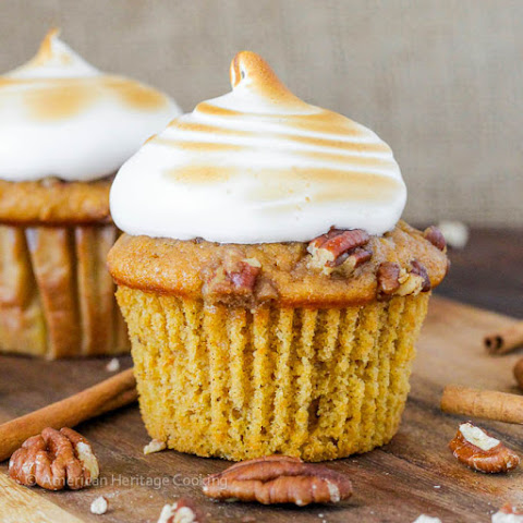 Sweet Potato Casserole Cupcakes {Homemade Marshmallow Frosting}