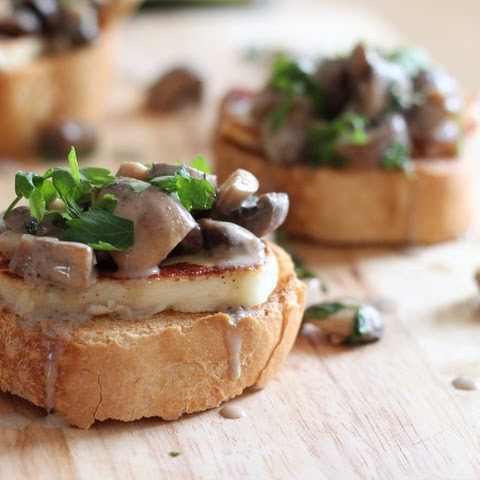 White Wine Mushroom Bruschetta With Halloumi