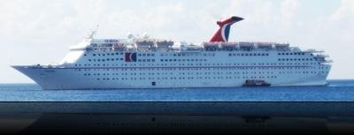 M/S Holiday ao largo da ilha de Cozumel . Foi vendido no cruzeiro passado... vai passar para a Ibero Cruises, uma empresa espanhola subsidiária da Carnival Corporation.