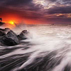 Manyar Menggelegar by Eggy Sayoga - Landscapes Sunsets & Sunrises ( bali, indonesia, rock, sunrise, beach, motion )