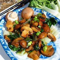 Chinese-Style Pak Choi with Mushrooms