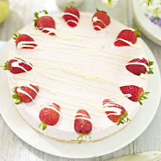 Strawberry & White Chocolate Mousse Cake