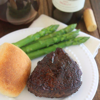 Easy Balsamic-Glazed Filet Mignon