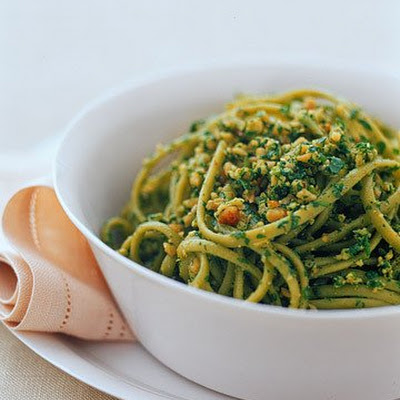 Spinach Linguine With Walnut-Arugula Pesto