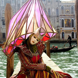 - Bertilla- The Diamond. by Gianni Pezzotta - People Musicians & Entertainers (  )