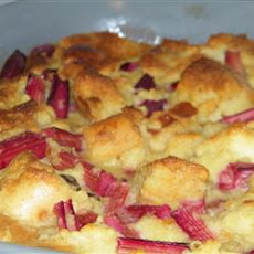 Old Fashioned Rhubarb Bread Pudding