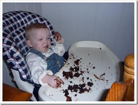 EatingCupcake2