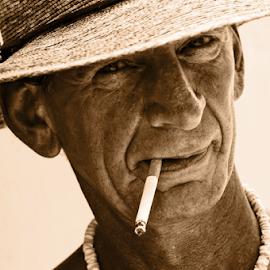 slim with cig by David Ubach - People Portraits of Men ( cigarette, smoking, male, man, portrait, hat )