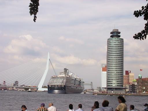 Holland America Line - De Westerdam
