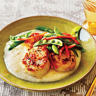Seared Scallops with Cauliflower Purée