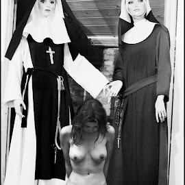Stout meisje gestraft  by Etienne Chalmet - Nudes & Boudoir Artistic Nude ( nun, girl, nude, naughty, punished,  )