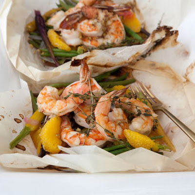 Shrimp Steamed in Paper with White Wine and Orange