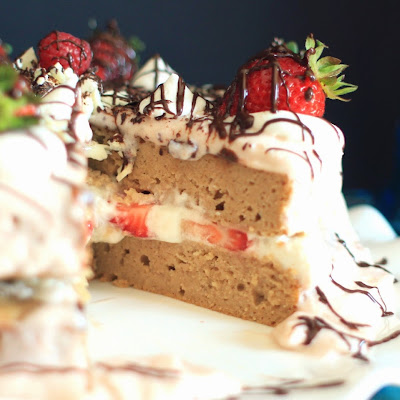 Guilt- Free Strawberry & Lemon {Protein} Cake