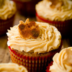 Apple Bacon Cheddar Cupcakes with Mesquite Buttercream – The Boyfriend Jeans of the Cupcake World