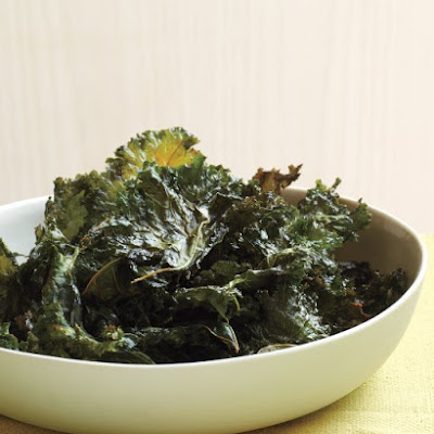 Chili-Sauce Kale Chips