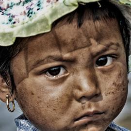 lovely galance by Arka Kt - Babies & Children Child Portraits ( arka-pixoto3 )