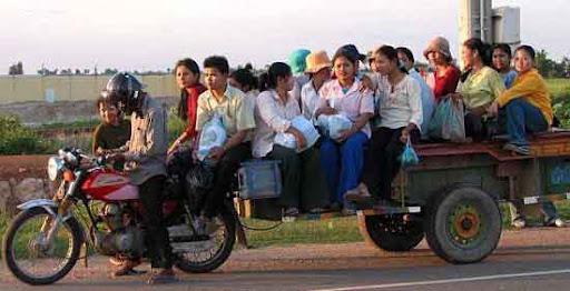 Almuerzo de Navidad 13-12-09 14_personas_una_moto_bike-pulling