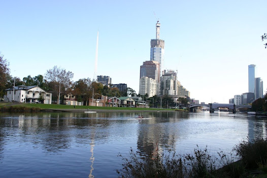 Alexandra Gardens as they look today featuring the many boathouses that line the Yarra