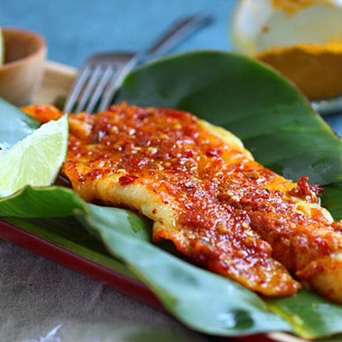 Ikan Panggang/Ikan Bakar (Grilled Fish with Banana Leaves)