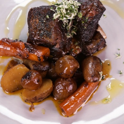 Braised Short Ribs with Pearl Onions and Potatoes
