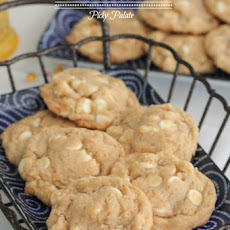 Frosted Flakes White Chocolate Chip Cookies