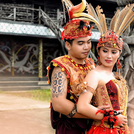 by Robertus Umi Irawan Irawan - Wedding Bride & Groom