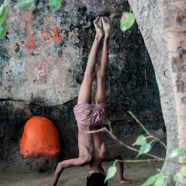 Eklavya by Indrajit Lahiri - Sports & Fitness Fitness ( #kolkata, #acrobat, #street, #human, #practice )