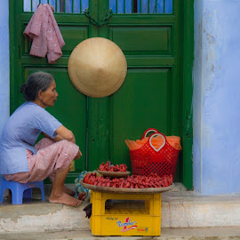 The color of daily life by Tung Beng - City,  Street & Park  Street Scenes ( blue, orange. color )