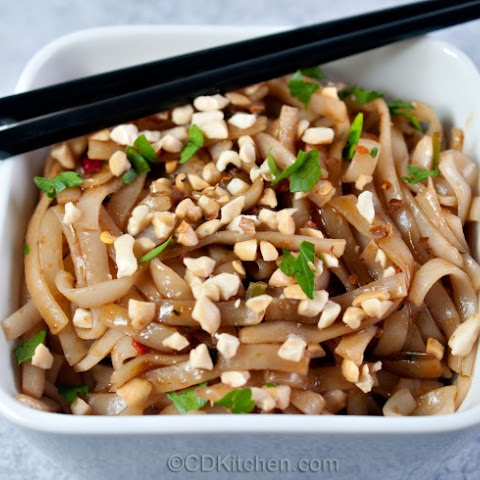 Cold Chinese Noodles in Peanut Sesame Sauce