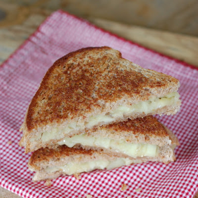 Grilled Brie and {Shortcut} Apple Chutney Sandwich