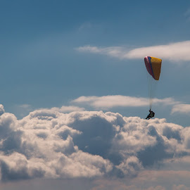 Walkin'clouds by Olivier Wenger - Sports & Fitness Other Sports ( paragliding, mauborget, switzerland.cloud )