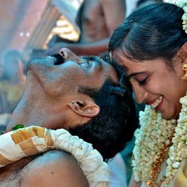 Flexibility in Family life ! by Anoop Namboothiri - Wedding Ceremony ( male, traditional, kerala, marriage, ceremony, wedding, happy, brahmin, anoop namboothiri, india, namboothiri, bride, groom,  )