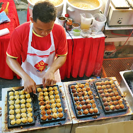 Street Hawker by Koh Chip Whye - Food & Drink Cooking & Baking ( , Travel, People, Lifestyle, Culture )