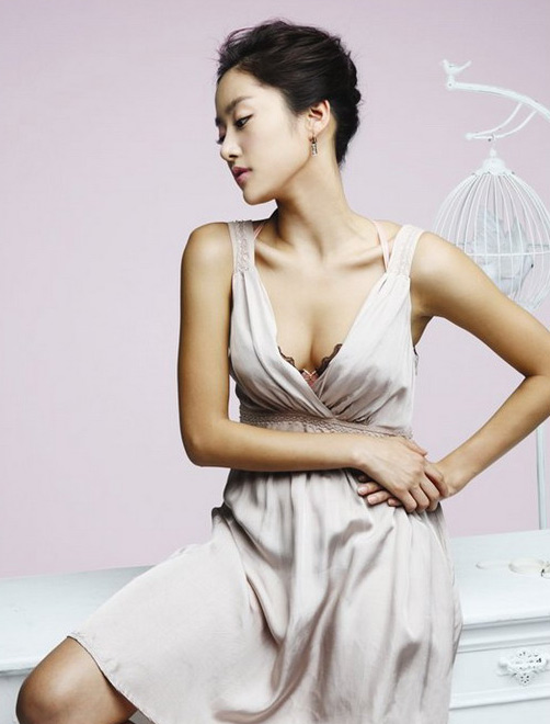 Korea Actress Jun Hye Bin Sexy Photoshoot
