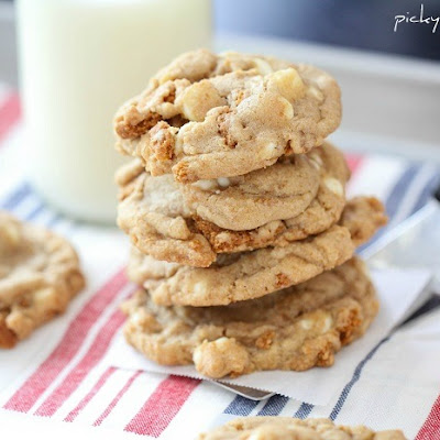 Biscoff Crunch White Chocolate Chip Cookies
