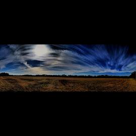 Span by Zeralda La Grange - Instagram & Mobile iPhone ( #landscape, #panoramic, #blue, #clouds, #iphone, #sky )