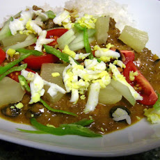 Tropical Beef Curry Rice With Condiments