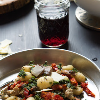 {One Pot} Tuscan Kale, Sun Dried Tomato & Chicken Sausage Gnocchi