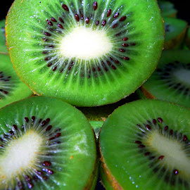 Kiwi close-up by Asif Bora - Food & Drink Fruits & Vegetables (  )