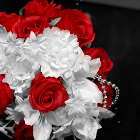 Rose Red by Doug Maertz - Wedding Details