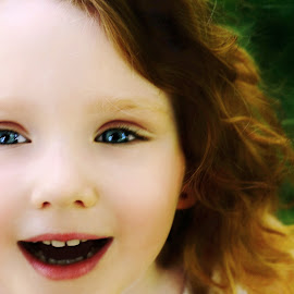 Happy Smile by Cheryl Korotky - Babies & Children Child Portraits ( red hair, a heartbeat in time photography, happy, amazing faces, blue eyes, beautiful children, redheads, child model nevaeh, smile, portrait )