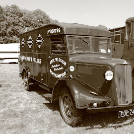 Morris Van by Mike Coombes - Transportation Automobiles ( van, vintage, transport, morris, veretan, vehicle, commercial,  )