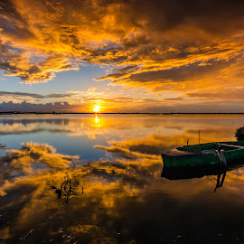 gold hour by Daniele Dessì - Transportation Boats ( nikon d7000 boat gold )