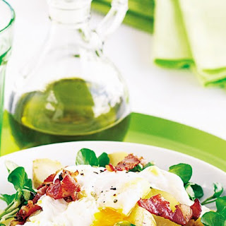 Poached Egg And New Potato Salad With Crispy Bacon